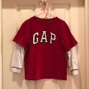 Gap Kids XS 4-5 boys red logo shirt